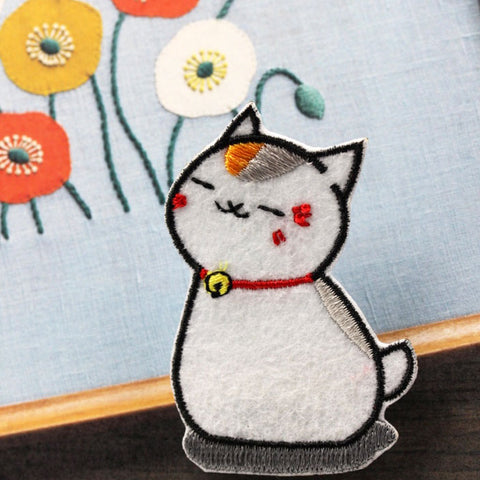 Embroidered Iron On Patch, White Cat