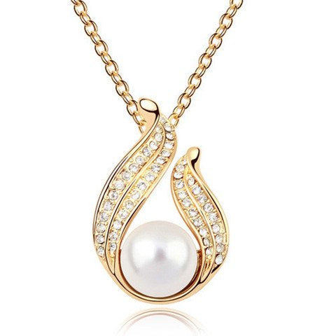 Gold Pendant With Pearl Necklace