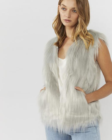 WINDSOR FAUX FUR VEST IN LIGHT GREY