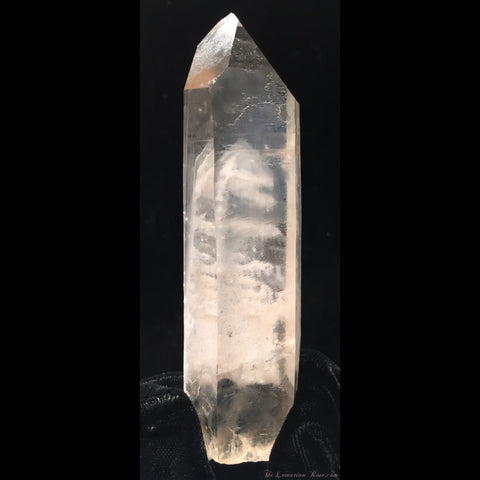 Natural Lemurian Point with Phantoms