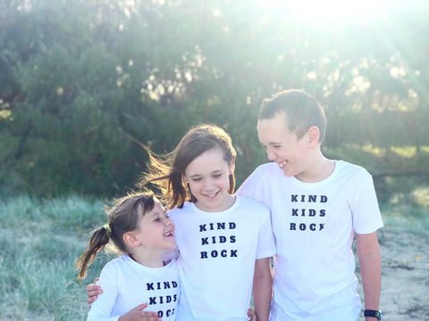 Kids organic printed tee- Kind Kids Rock