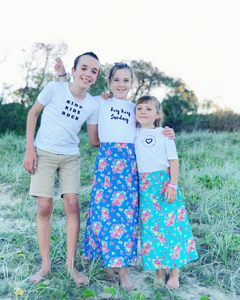 Kids organic printed tee-hey Sunday