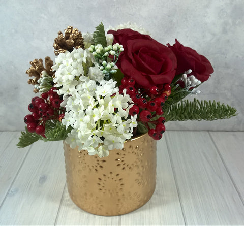 V124 Gold Christmas Arrangement