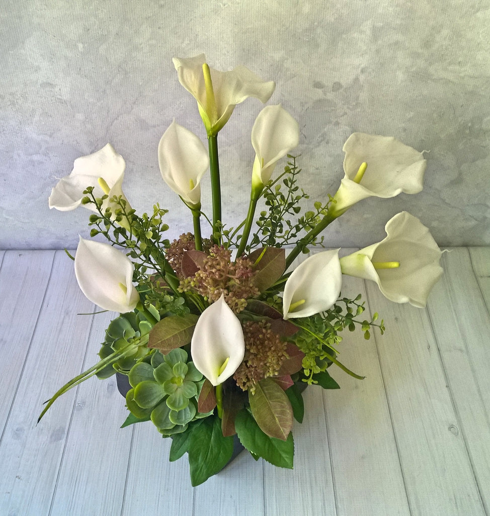 V157 Calla Lily and Succulent