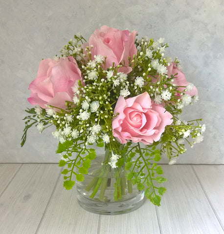 V144 Roses and Baby's Breath