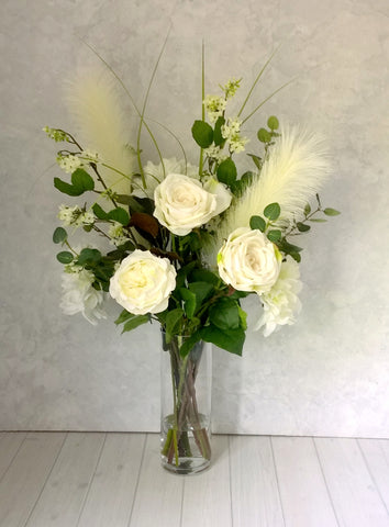 H148 Pampas grass, Roses, Dahlias Hand-Tied Arrangement