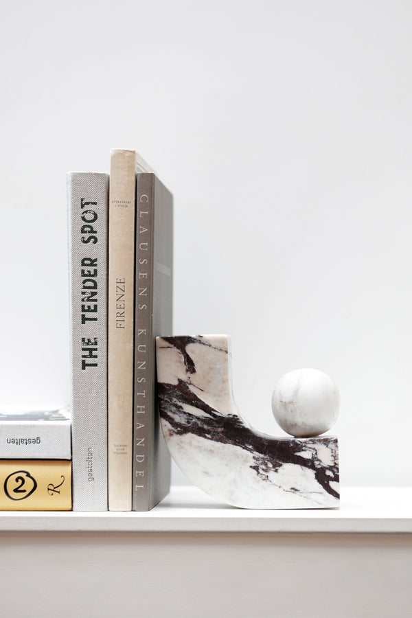 Equi bookend in Calacatta marble