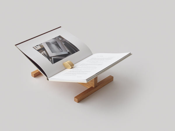 Bookstand in oak by Caché (Denmark)