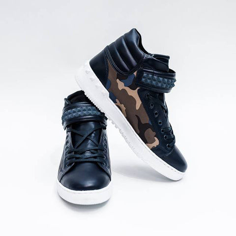 HIGH-TOP CAMOUFLAGE SNEAKERS - REVERSE WORLD
