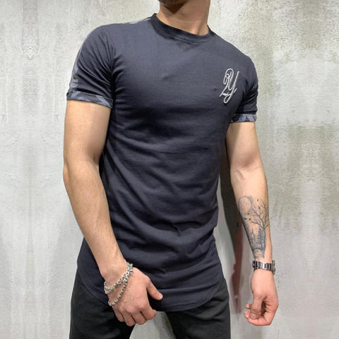 BLACK T-SHIRT - REVERSE WORLD