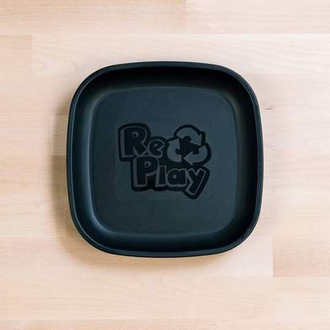 Re-Play Recycled Plastic Flat Plate in Black - 18cm (Original Size)