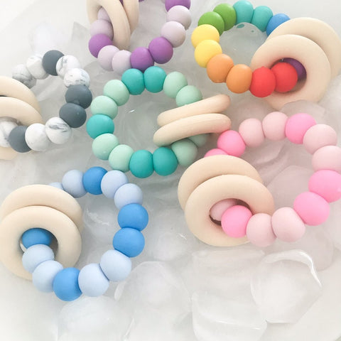 One.Chew.Three Gummi Rattle Silicone Teether