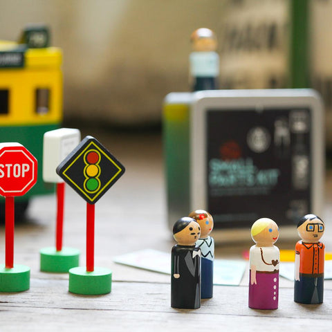 Make me Iconic Small Parts Kits with People and Road Signs