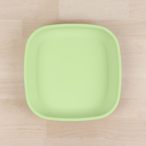 Re-Play Recycled Plastic Flat Plate in Leaf Green - 18cm (Original Size)