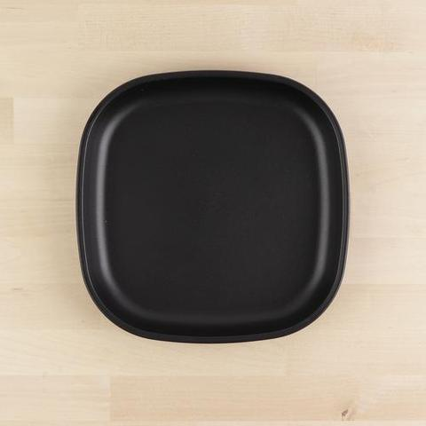 Re-Play Recycled Plastic Flat Plate in Black - 22cm (Adult Size)