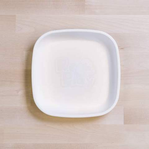 Re-Play Recycled Plastic Flat Plate in White - 18cm (Original Size)