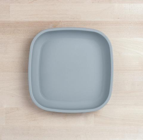 Re-Play Recycled Plastic Flat Plate in Grey - 18cm (Original Size)