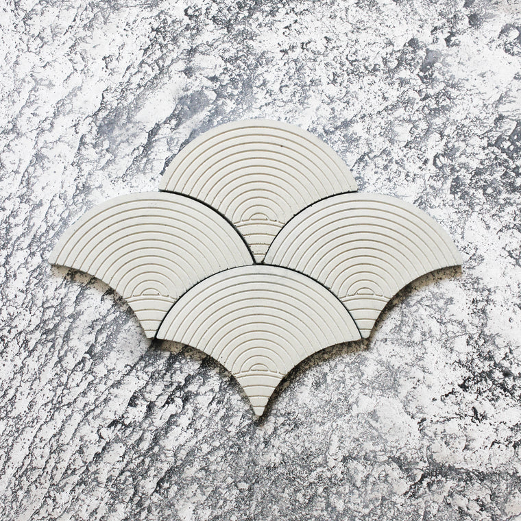 SCALLOP TILE