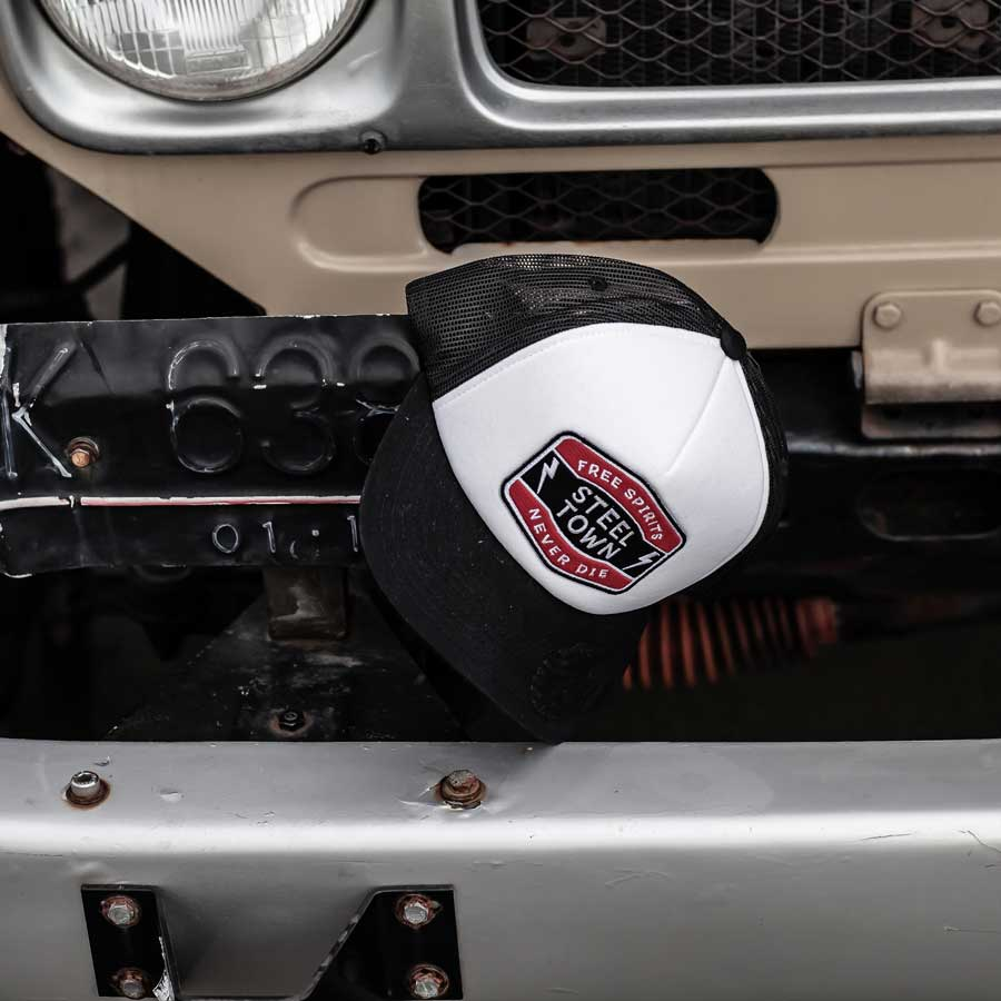 Free Spirits Shield Trucker - Black