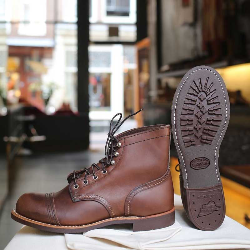 Red Wing Iron Ranger 8111 Amber Harness - Vibram Sole