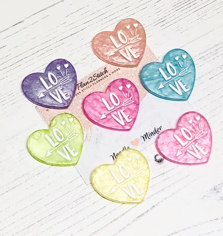 Love Hearts Iridescent Swirl Needle Minder