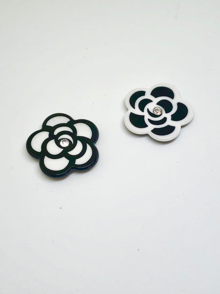 Black & White Gem Flower Needleminders