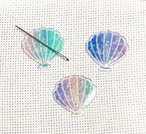 Star Speckled Glittery Seashell Needle Minder