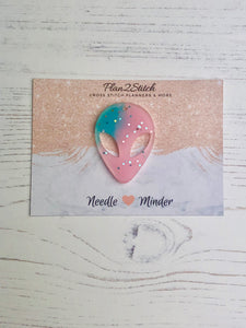 Pastel Glitter Alien Head Needle Minder