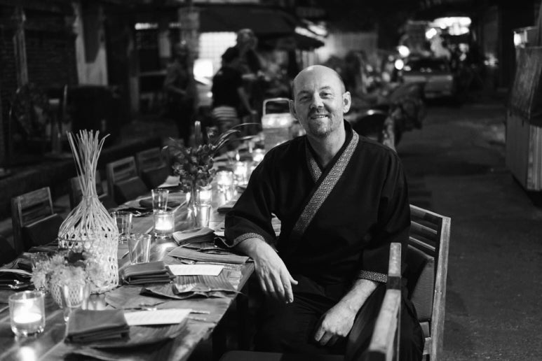 The Knife's Edge : Chet Adkins - JUA Bangkok