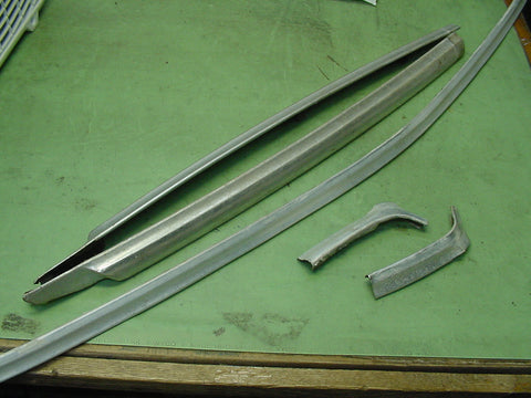 Oldsmobile 1971-74 Full Size Windshield trim 5pcs Used