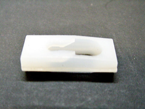 1974-Up GM Vinyl Top Body Side Belt Moulding Clips