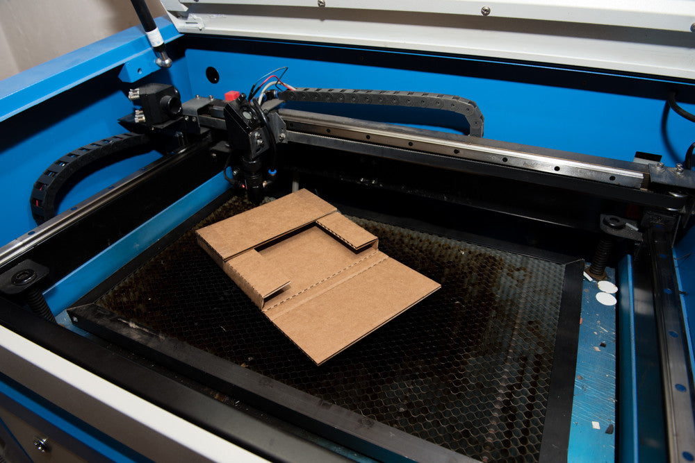 How to make your own shipping boxes with a CO2 laser cutter