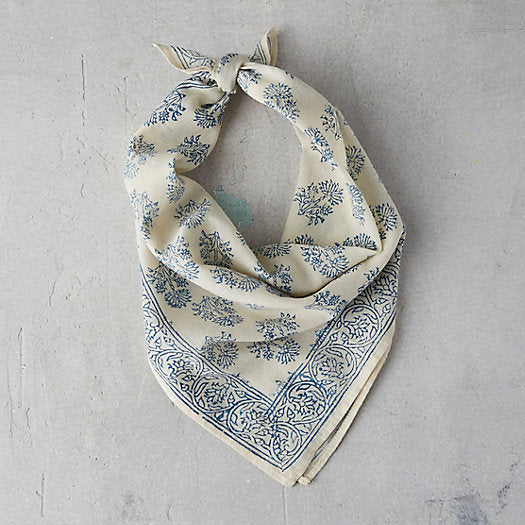 BLUE FLOWER BANDANA