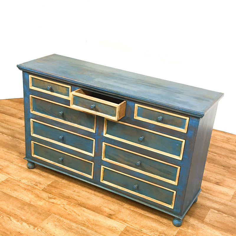 Dresser / Chest of Drawers