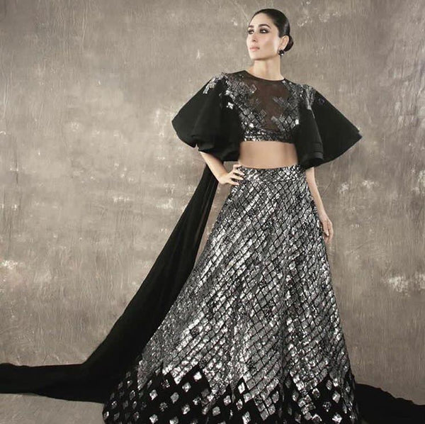 Kareena Kapoor Totally Rocked A Silver And Black Lehenga