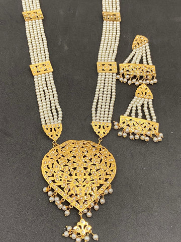 High Quality Cream Color Hand Made Jadaoo Rani Set