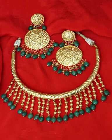 Tehzeeb Gold Finished Emerald Hasli Nacelace & Earrings