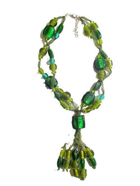 Lustrous round shaped Green Necklace