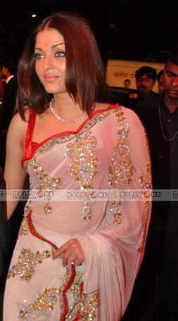 White Aishwarya Peach Georgette Scallop Edge Sari