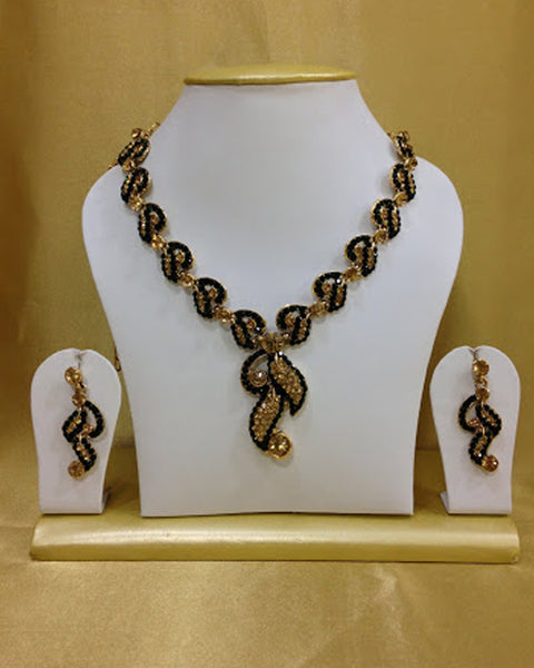 Leaf Cut Black & golden Necklace