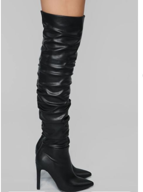 Thigh high Heeled Boot