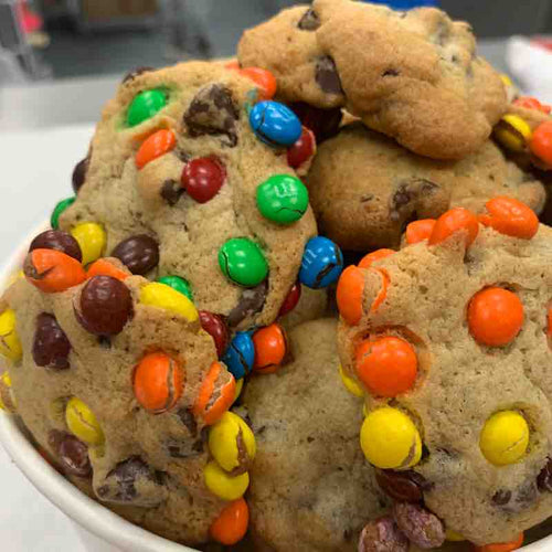 M&M and Reese's Chocolate Chip Mini Bucket