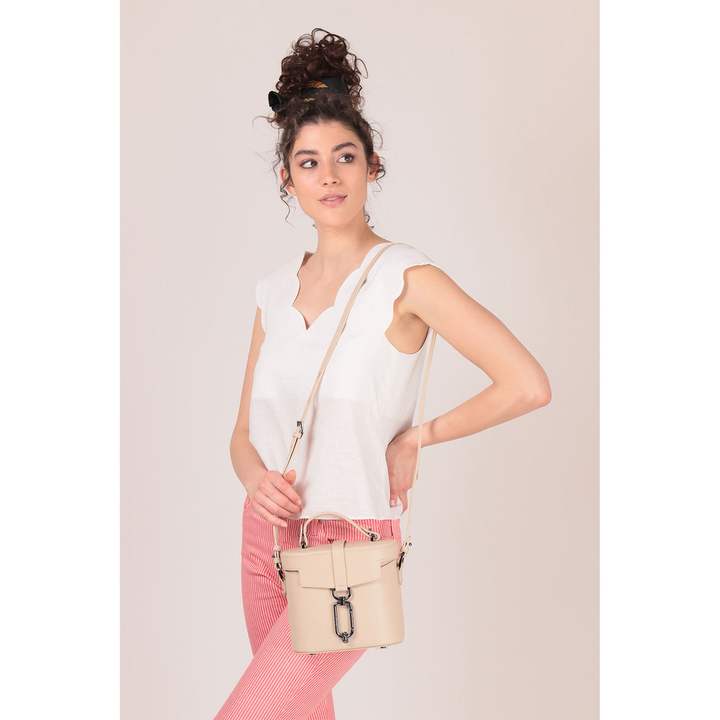 brooklyn canteen crossbody fawn on figure