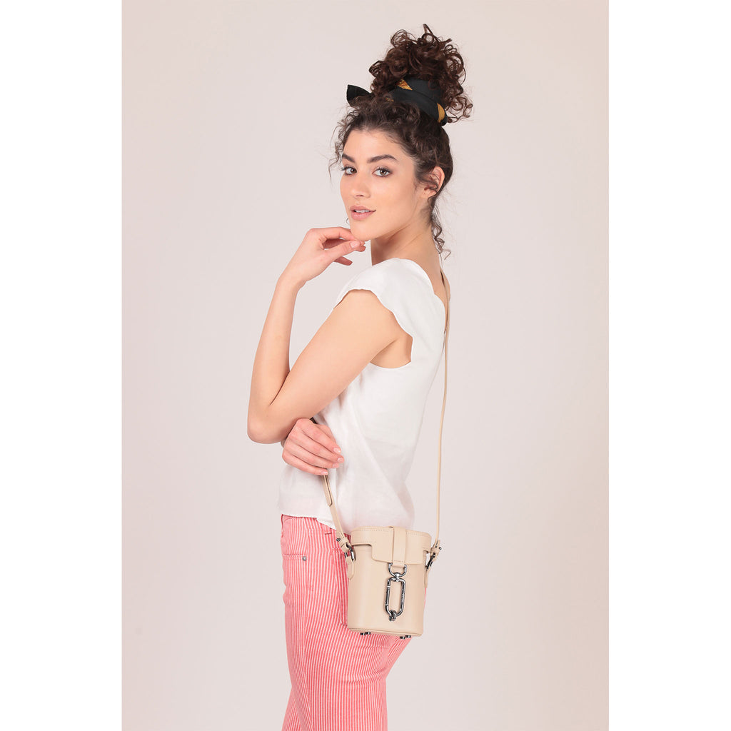brooklyn crossbody fawn on figure
