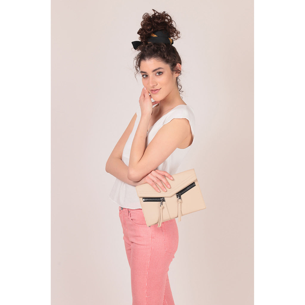 trigger crossbody fawn on figure clutch