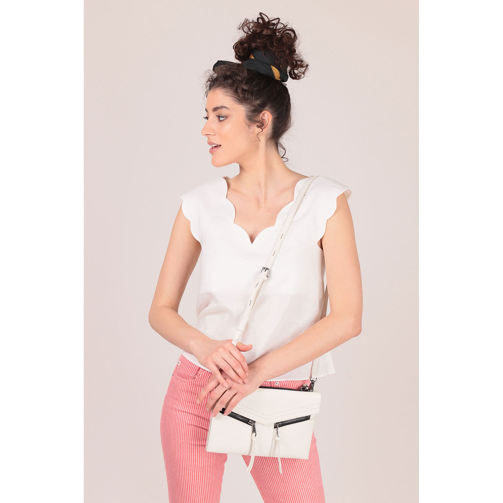 trigger crossbody marshmallow on figure crossbody