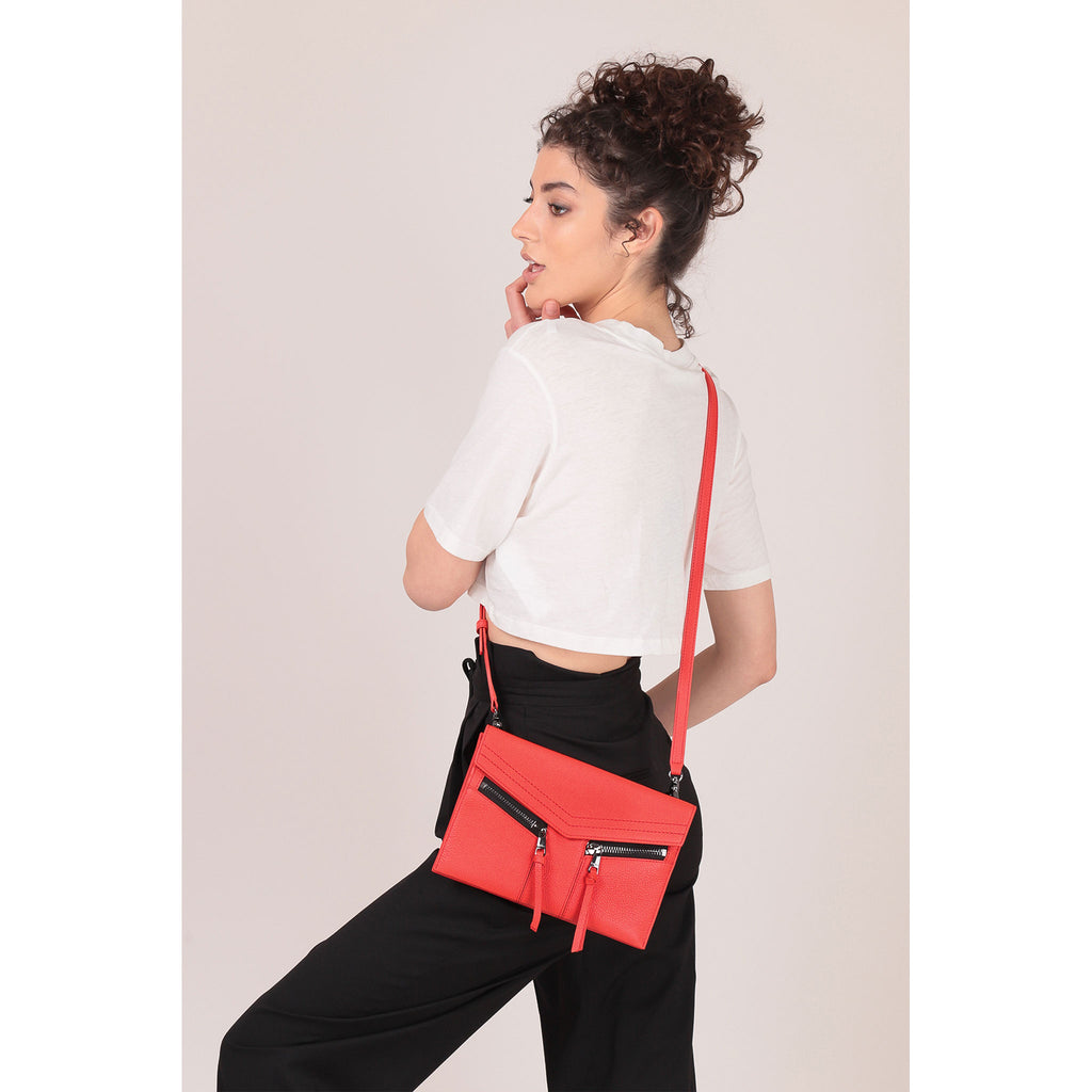 trigger crossbody rio on figure crossbody
