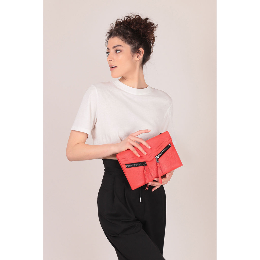 trigger crossbody rio on figure clutch