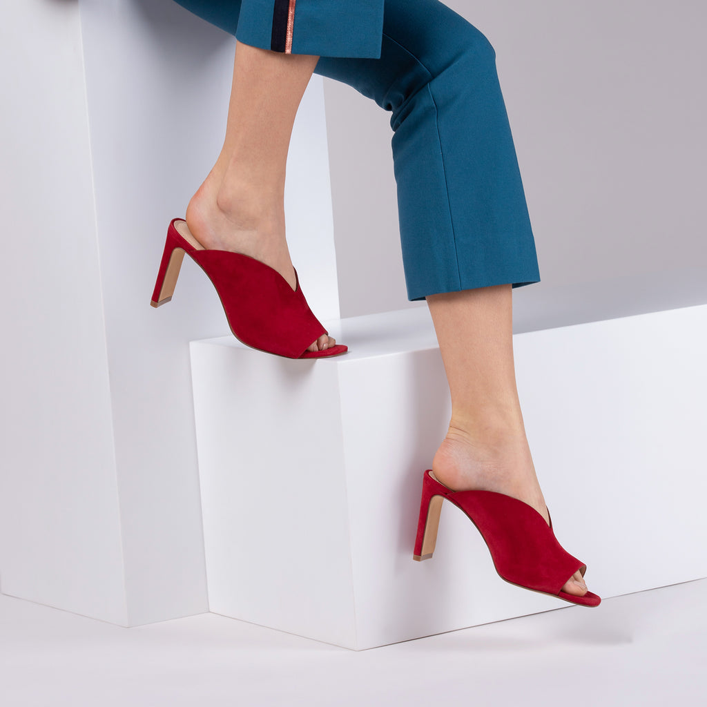 botkier emily heel mule in cherry red