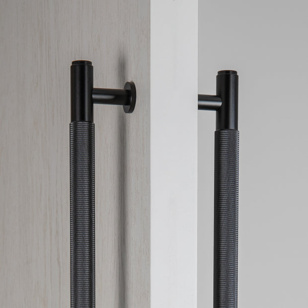 CLOSET BAR / DOUBLE SIDED / BLACK (Pair)